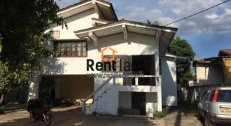 2 store House in golden area of Vientiane
