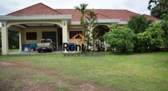 beautiful house with large garden for rent near college of national Defence (KM8),Clock tower