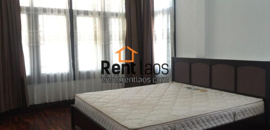 Lao style cozy house for rent Near Patuxay