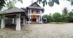 Gorgeous house  Near Patuxay for Rent