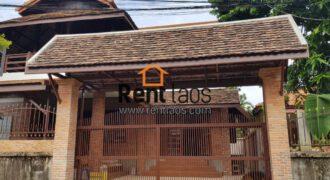 Lao classic house for RENT near Wattai airport