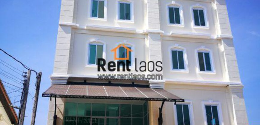 commercial building Near Thai Consulate FOR RENT