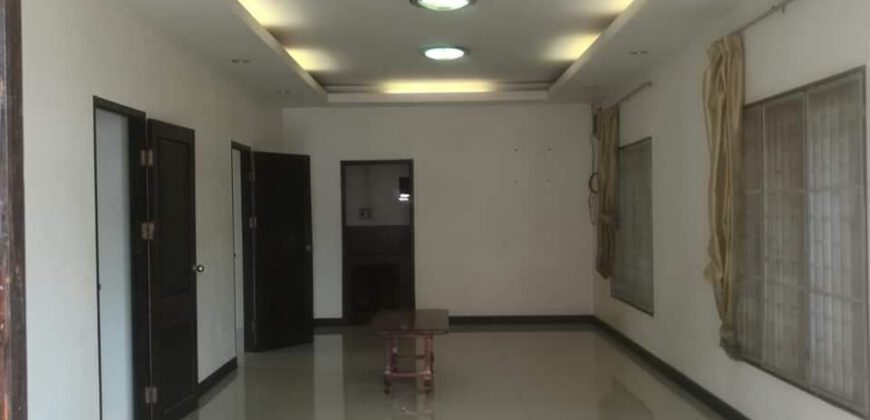 house near Thaluang square FOR RENT