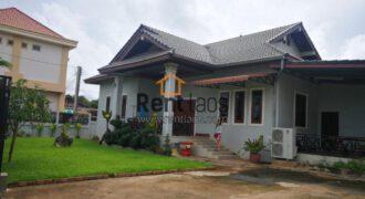 House near Souanmon Markt for Rent