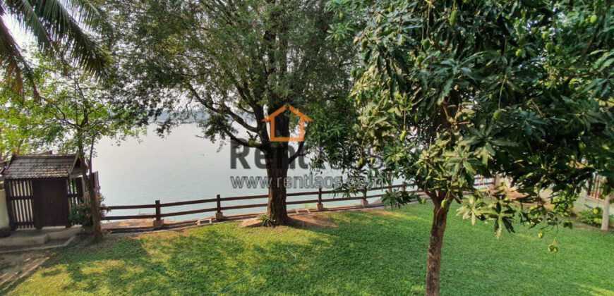 riverfront house near clock tower for rent