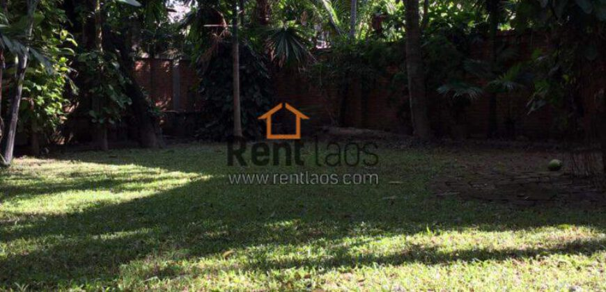 House near Crown plaza for rent
