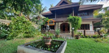 Lao style house near Australia embassy for rent